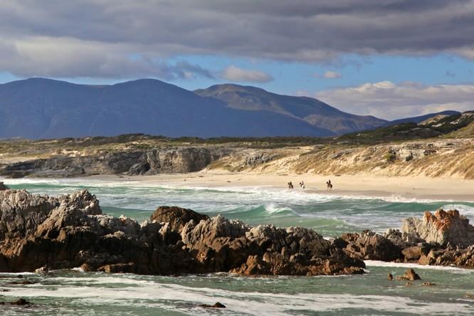 10 bãi biển đẹp như thiên đường chỉ nên ngắm chứ không nên trải nghiệm ảnh 8