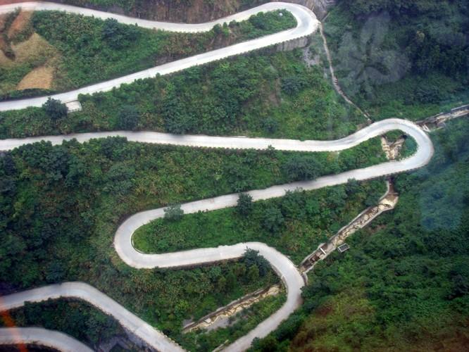 Thót tim với 11 con đường nguy hiểm nhất thế giới ảnh 10