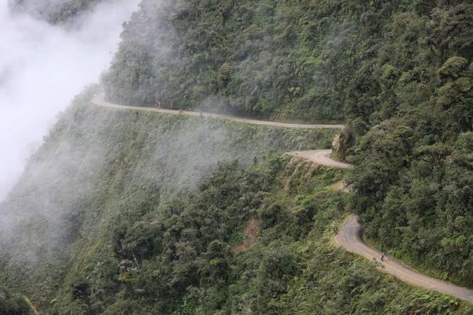 Thót tim với 11 con đường nguy hiểm nhất thế giới ảnh 3
