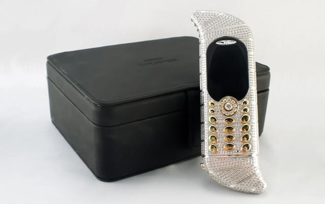 """10 chiếc điện thoại có thiết kế """"xấu đau xấu đớn"""" ảnh 5"""