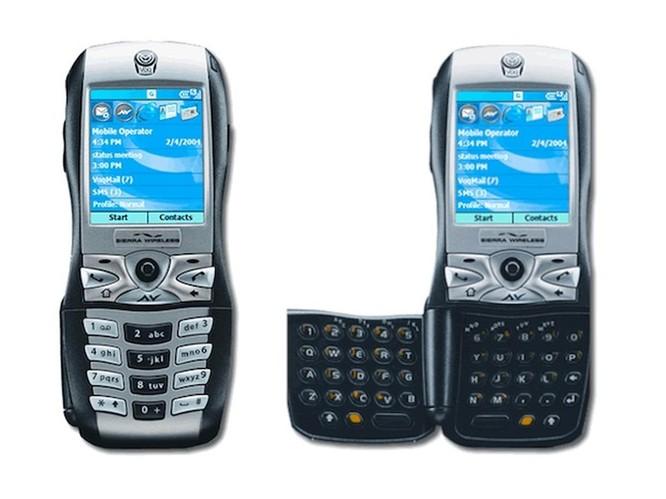 """10 chiếc điện thoại có thiết kế """"xấu đau xấu đớn"""" ảnh 9"""