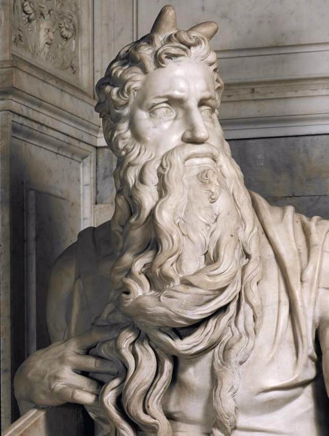 9 bí mật đáng kinh ngạc ẩn sau những bức tượng nổi tiếng ảnh 1