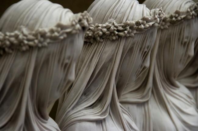 9 bí mật đáng kinh ngạc ẩn sau những bức tượng nổi tiếng ảnh 5