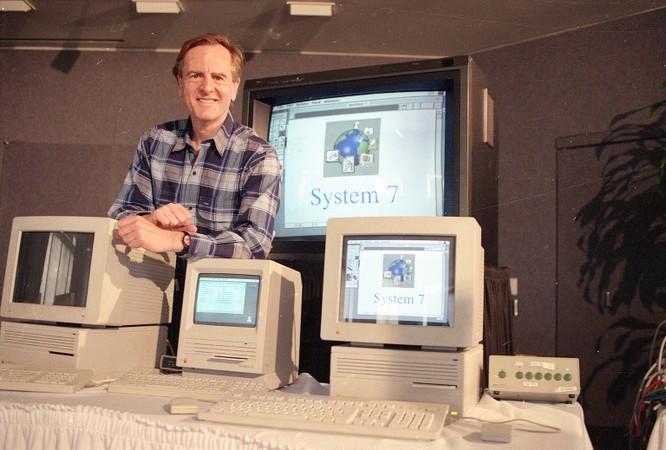32 tấm ảnh kể lại lịch sử của Apple từ lúc thành lập trong một gara xe hơi đến khi trở thành công ty nghìn tỷ USD ảnh 22