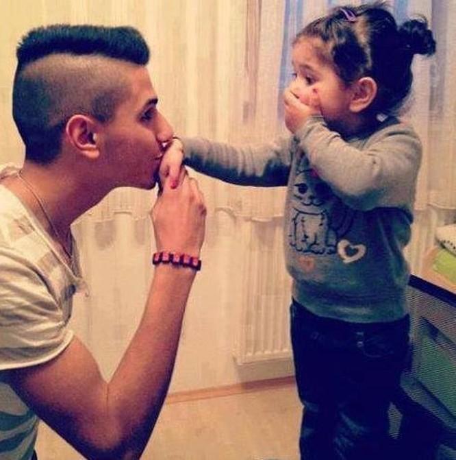 """17 ảnh minh chứng con gái luôn là """"công chúa nhỏ"""" của cha ảnh 16"""