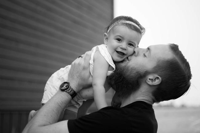 """17 ảnh minh chứng con gái luôn là """"công chúa nhỏ"""" của cha ảnh 17"""