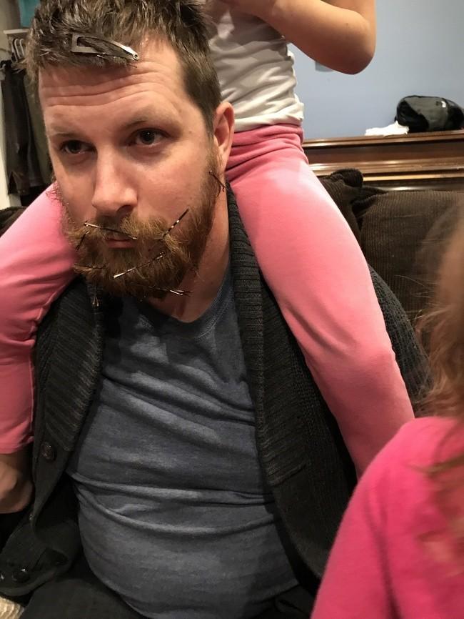 """17 ảnh minh chứng con gái luôn là """"công chúa nhỏ"""" của cha ảnh 4"""