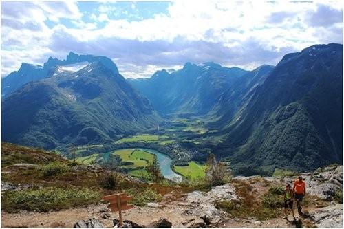 Top 10 thung lũng đẹp nhất trên thế giới bạn nên đặt chân đến 1 lần trong đời ảnh 7