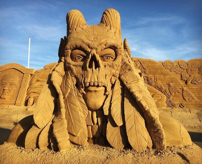 Chiêm ngưỡng 20 tác phẩm nghệ thuật công phu từ cát ảnh 10
