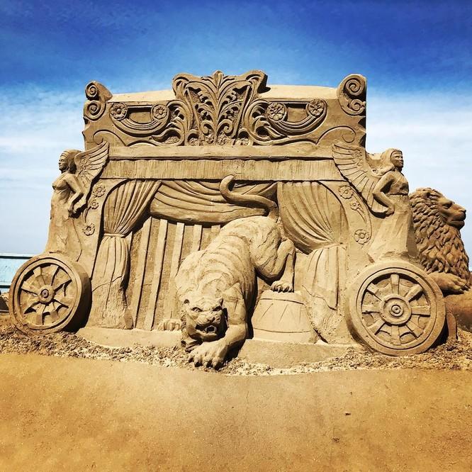 Chiêm ngưỡng 20 tác phẩm nghệ thuật công phu từ cát ảnh 15