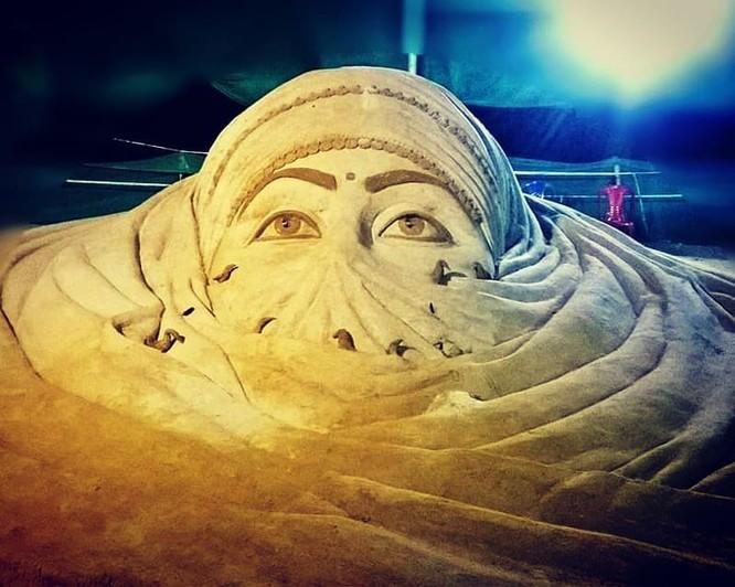 Chiêm ngưỡng 20 tác phẩm nghệ thuật công phu từ cát ảnh 17