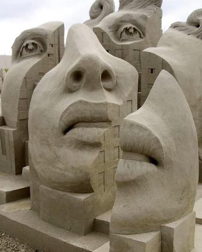 Chiêm ngưỡng 20 tác phẩm nghệ thuật công phu từ cát ảnh 18