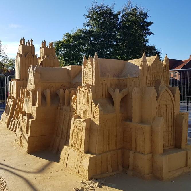 Chiêm ngưỡng 20 tác phẩm nghệ thuật công phu từ cát ảnh 8