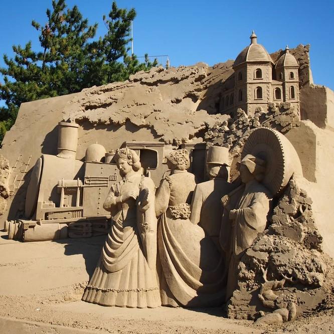 Chiêm ngưỡng 20 tác phẩm nghệ thuật công phu từ cát ảnh 9