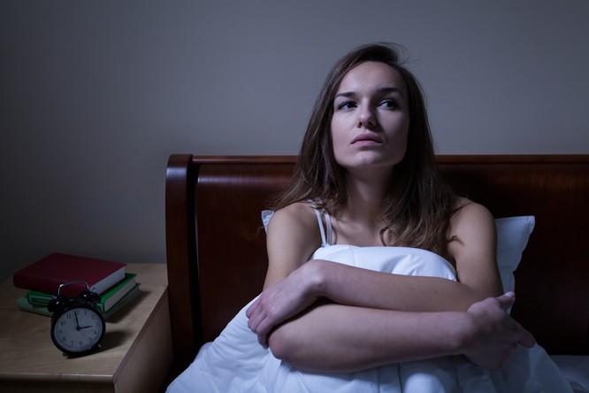 6 mối nguy hiểm khôn lường mà người ngủ nhiều hơn 8 giờ phải đối mặt ảnh 6