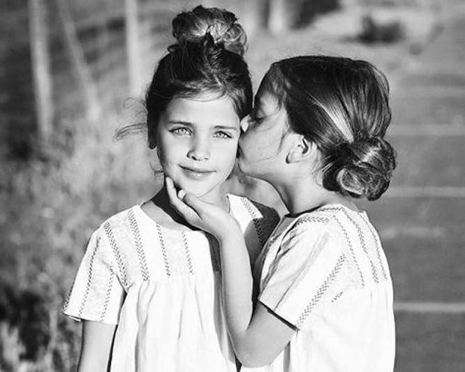 Cặp sinh đôi thiên thần đốn tin cộng đồng mạng hiện giờ ra sao? ảnh 17