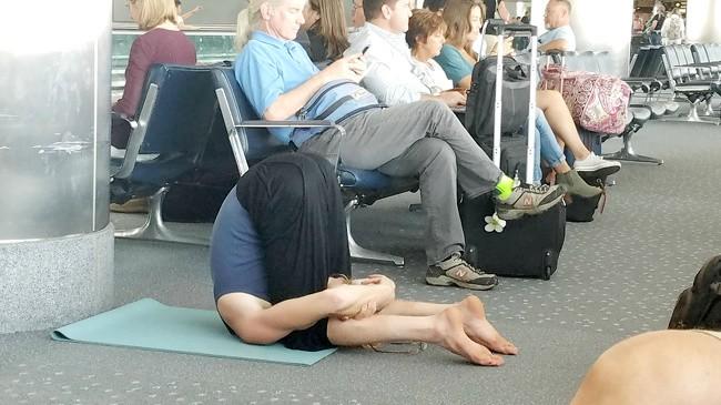 16 hình ảnh hài hước chỉ có thể xảy ra ở sân bay ảnh 7
