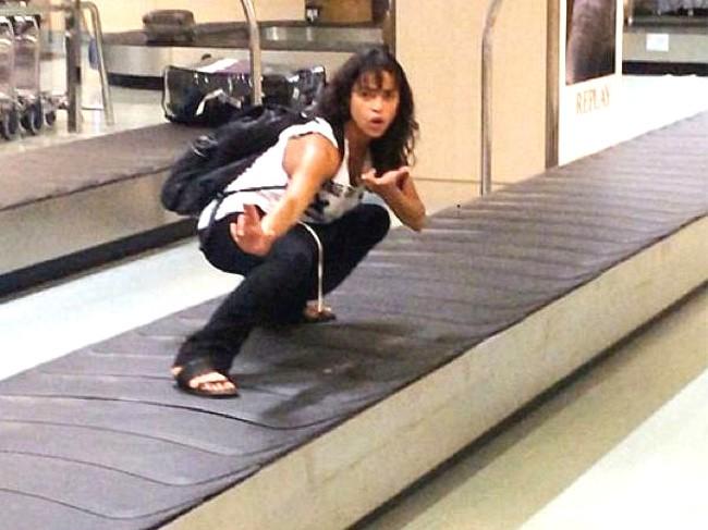 16 hình ảnh hài hước chỉ có thể xảy ra ở sân bay ảnh 5