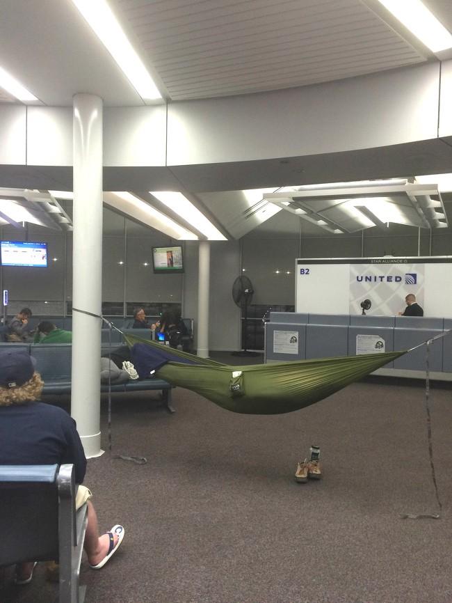16 hình ảnh hài hước chỉ có thể xảy ra ở sân bay ảnh 3