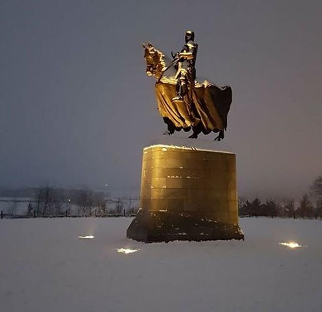 15 bức ảnh chứng minh mùa đông là một thách thức cực lớn ảnh 10