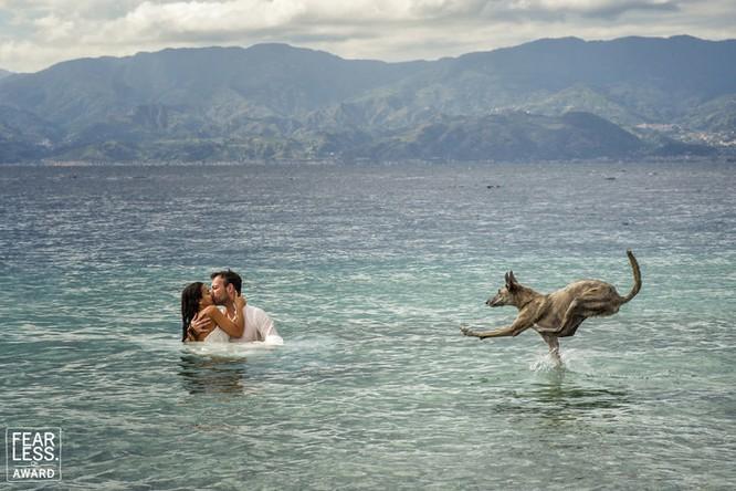 15 bức ảnh cảm động ngày hôn lễ khiến bạn rơi nước mắt ảnh 6