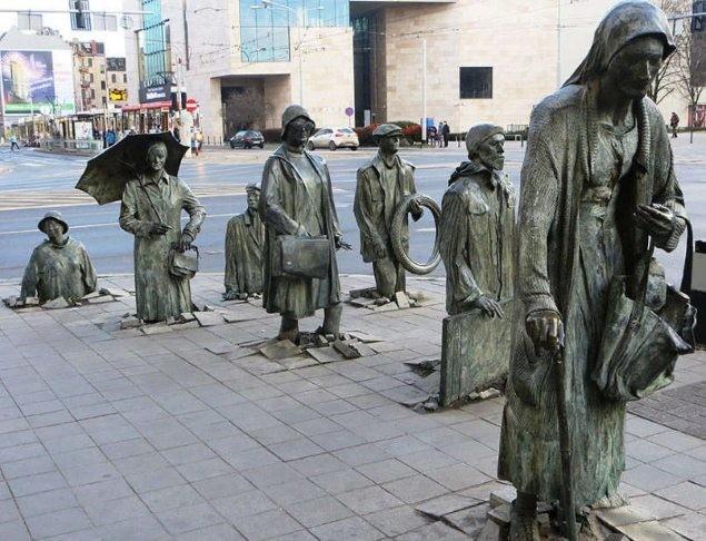 15 tác phẩm điêu khắc trên thế giới khiến người xem phải há hốc mồm ảnh 13