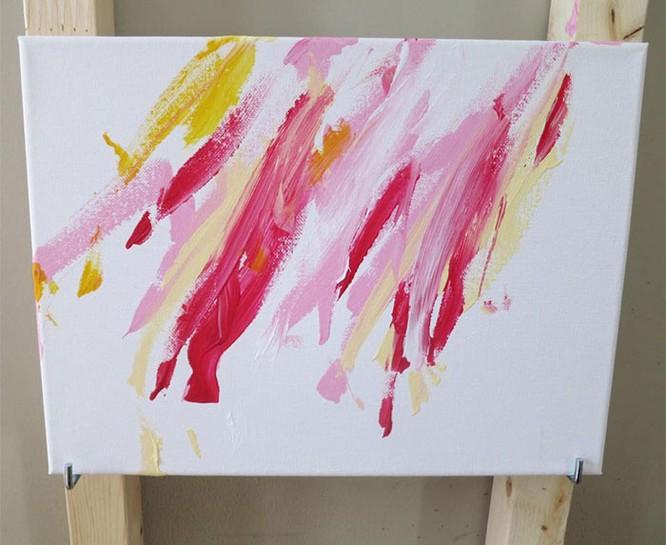 Chú chó Shiba Inu được chủ dạy vẽ tranh, kiếm tới 5000 USD từ tranh vẽ ảnh 11