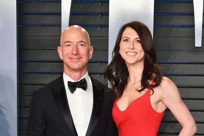 Sau ly hôn, ông chủ Amazon vẫn nắm được quyền điều hành công ty