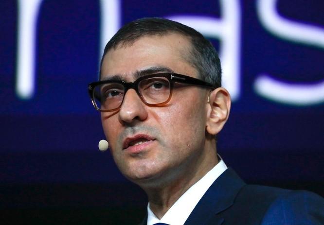 Rajeev Suri, Chủ tịch đồng thời là CEO của Nokia phát biểu trong Đại hội Thế giới Di động ở Barcelona, Tây Ban Nha ngày 25.2.2018. Ảnh: Reuters