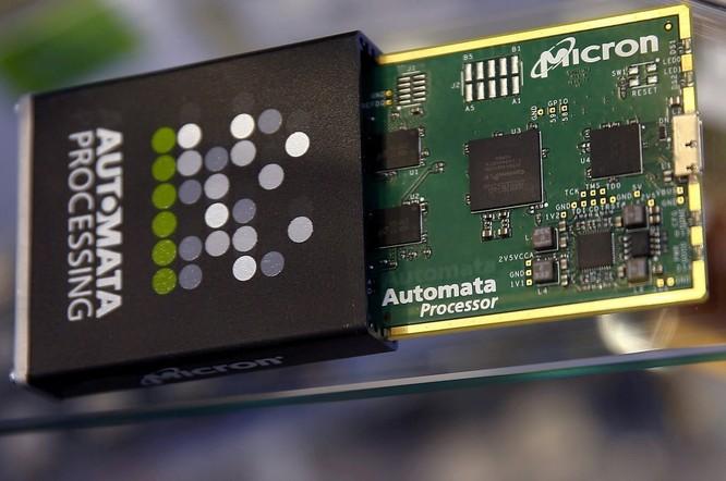 Micron cạnh tranh với các công ty Hàn Quốc như Samsung để cung cấp chip nhớ cho điện thoại thông minh của Huawei. Ảnh: NY Tmes