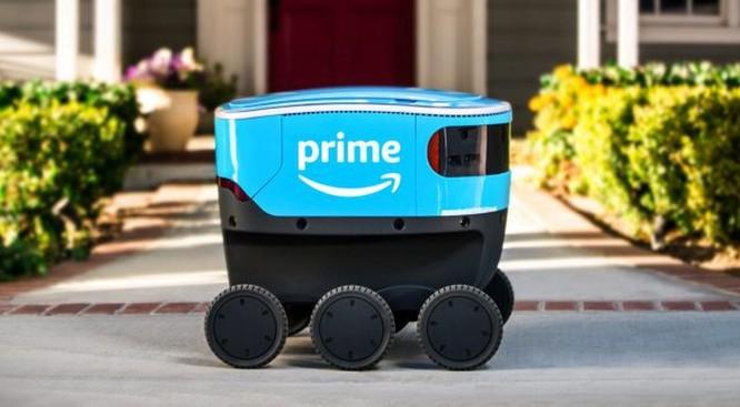 Một robot giao hàng của Amazon. Ảnh: SCMP