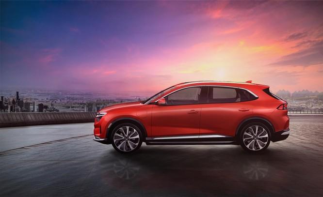 Vinfast bất ngờ công bố 3 mẫu ô tô điện tự lái, nhận đặt hàng từ tháng 5, giao xe tháng 11/2021 ảnh 1