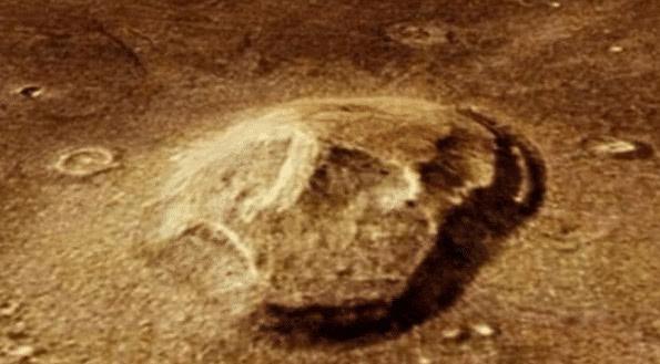 Bí ẩn về sự sống cổ đại trên sao Hỏa - phát hiện vật thể lạ giống hộp sọ khủng long ảnh 2