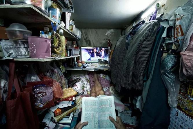 Cặp vợ chồng trẻ sống trong căn nhà 5m² ở Hồng Kông: sự thật đằng sau cái nghèo ảnh 5