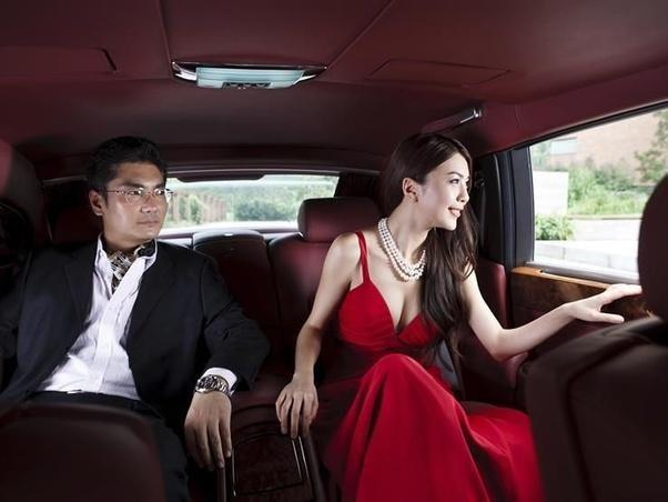 Kinh tế Trung Quốc đang phát triển rất tốt, tại sao người Trung Quốc vẫn muốn di cư sang phương Tây? ảnh 1