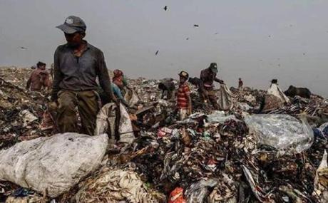 Thủ đô bẩn nhất thế giới: dân số 25 triệu người, rác chất cao 17 tầng, bốc mùi ảnh 3