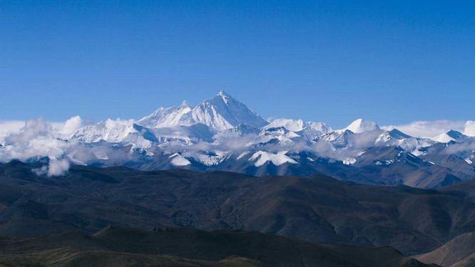 Nhiệt độ đỉnh Everest lạnh đến mức xác chết không phân hủy, liệu di thể người cổ đại có trên đó? ảnh 1