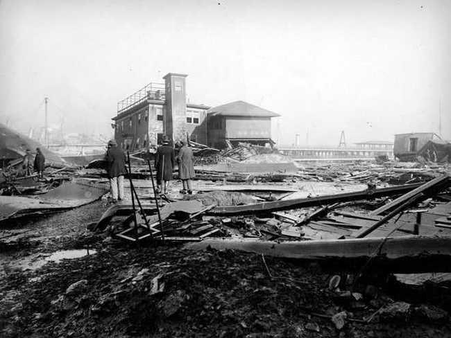 Vụ nổ lạ lùng nhất trong lịch sử, 14.000 tấn mật phát nổ, 21 người chết vì ngạt mật ảnh 3