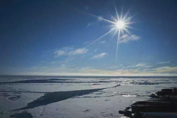 Gió Mặt Trời thổi đi 100.000 tấn khí quyển Trái Đất mỗi năm, liệu Trái Đất có trở thành sao Hỏa? ảnh 4