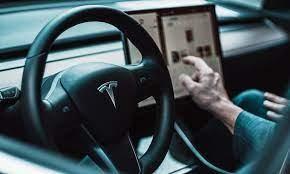 Tại sao Elon Musk và Tesla luôn đi ngược lại đám đông? ảnh 1