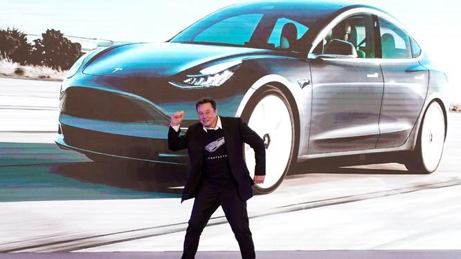 Tại sao Elon Musk và Tesla luôn đi ngược lại đám đông? ảnh 4