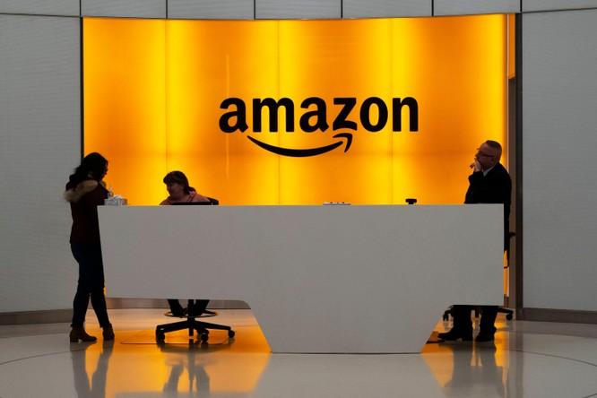 Amazon vướng phải vụ kiện tập thể vì chiếm dụng thời gian nghỉ ngơi và ăn uống của nhân viên ảnh 1