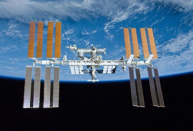 """Nga tuyên bố rút lui, Trạm Vũ trụ Quốc tế sắp trở thành một """"cuộc chiến không gian""""? ảnh 1"""