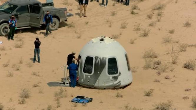 Muốn lên vũ trụ với người giàu nhất thế giới Jeff Bezos, bạn phải trả bao nhiêu tiền? ảnh 2
