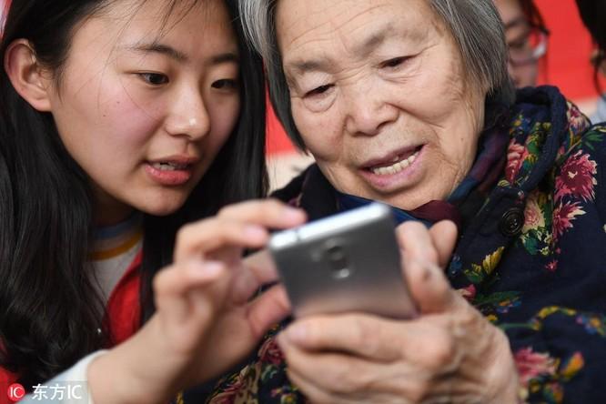 """Các app Trung Quốc đang tìm cách """"lấy lòng"""" người già ảnh 3"""
