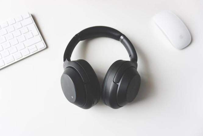 Tai nghe chống ồn giá rẻ đang âm thầm hại sức khỏe người dùng? ảnh 1