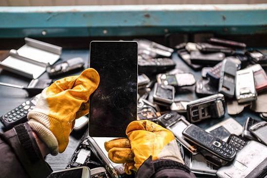 Thâm nhập vào thế giới tái chế đồ cũ và rác thải điện tử ở Trung Quốc ảnh 2