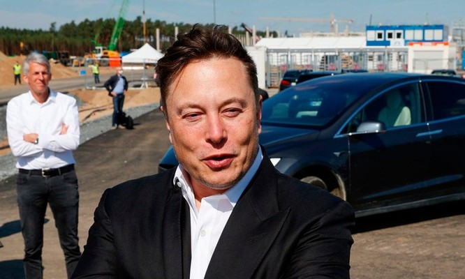 """Mối duyên nợ giữa Apple và Tesla: Elon Musk lại """"đá xéo"""" nhà Táo ảnh 1"""