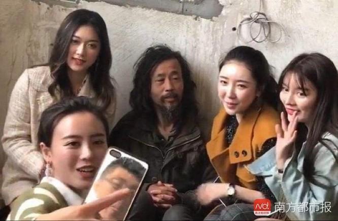 Sự vô cảm của người nổi tiếng trên MXH bộc lộ qua trận lũ lụt lịch sử của Trung Quốc ảnh 6