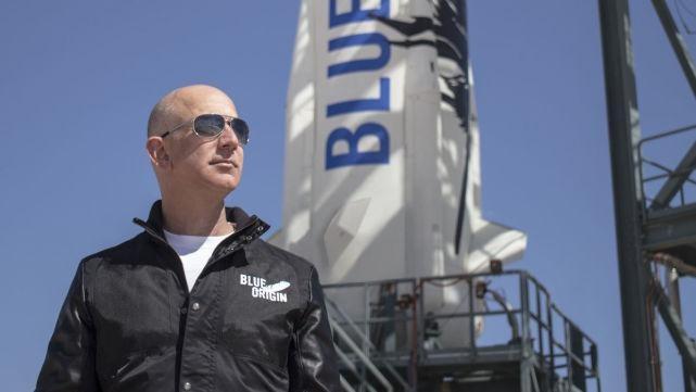 Cùng chinh phục không gian với Musk và Branson, tại sao Jeff Bezos luôn hứng chịu chỉ trích? ảnh 5